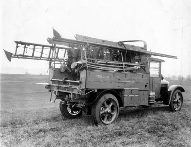 graybar-automotive-pole-derrick-stored